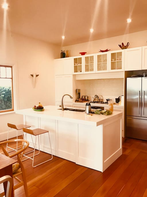 Lovely modern open plan kitchen with all the mod-cons. A great place to cook with a group.