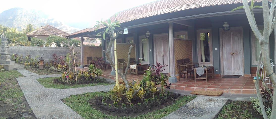 Ode guest house and restaurant - Gerokgak - Bed & Breakfast