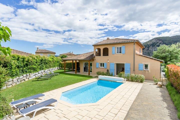 Villa Lumière met privézwembad