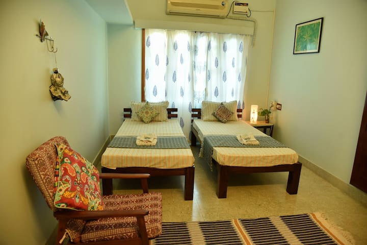 Sincerity 2nd Apartment- 2BHK-White Town- 4 guest