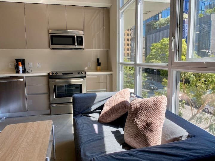 ❤️of Downtown LA, High-End Luxe living 1B1B
