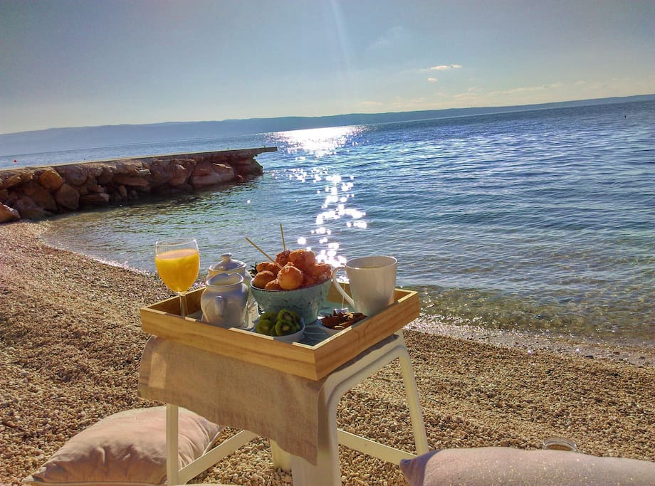 We recomend breakfast on the beach