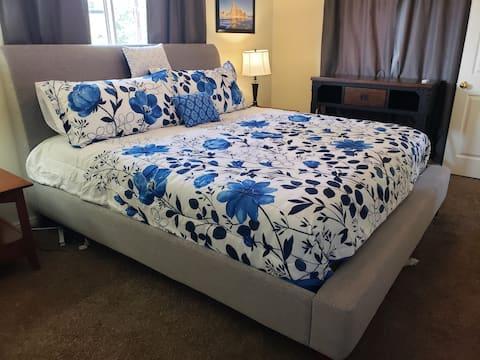 COMFORTABLE 2-bedroom, 2- bathroom apartment!