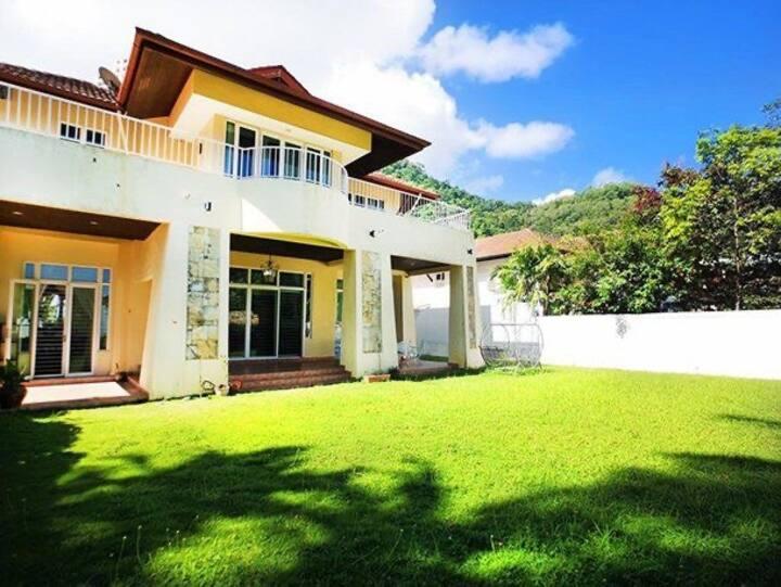 Batu Ferringhi Beach Villa