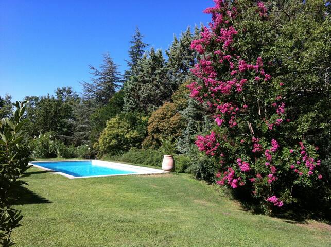 Maison en Provence, Aix-en-Provence - Le Tholonet - Le Tholonet - House