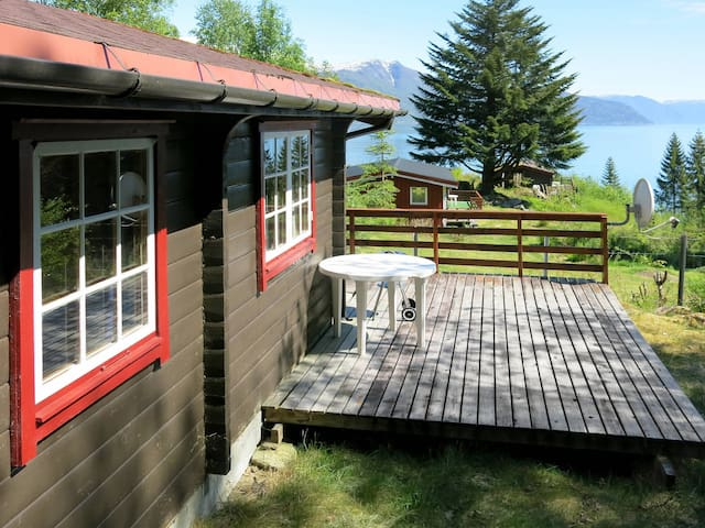 Holiday home with terrace and great view in Balestrand