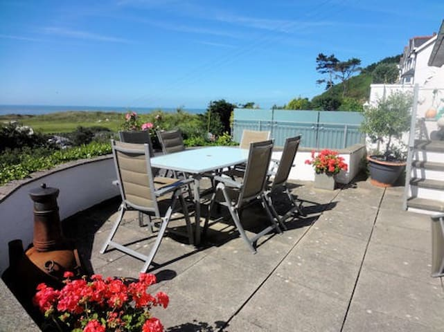 Aberdyfi cottage with Sea Views - Aberdovey - Casa