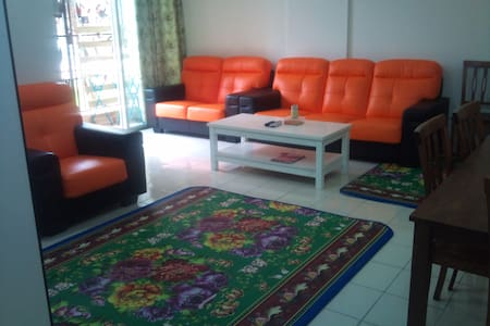 Homestay Nilai Mantin with Swimming pool and Wifi