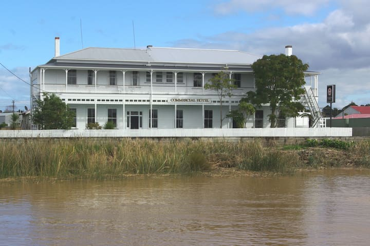 River facing room with twin beds - Dargaville - Bed & Breakfast