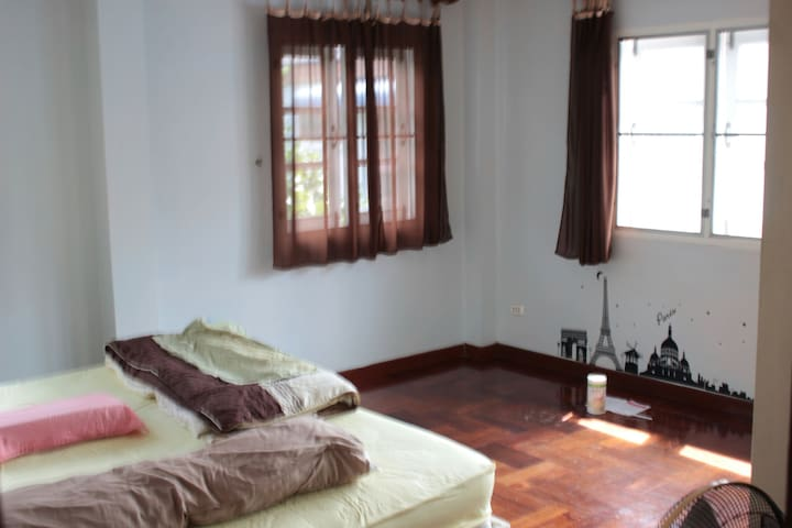 Lovely  room in a bangsaen area - Tambon Samet - Hus