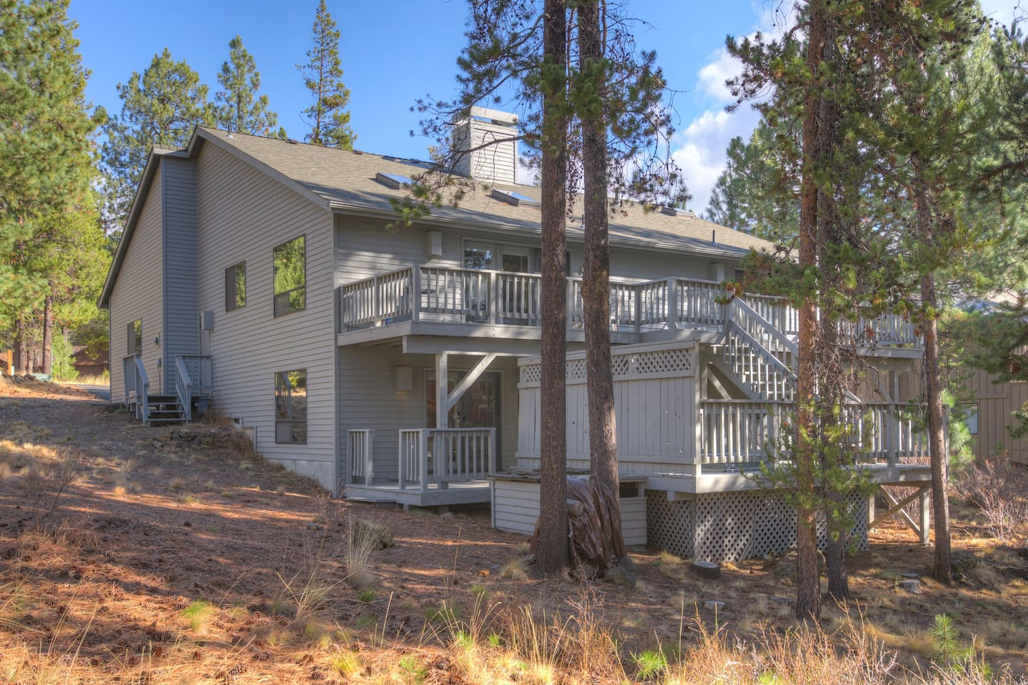 """Welcome to """"Hart is Where the Home is,"""" our beautiful home in Sunriver. Our home comfortably sleeps 10 and includes eight complimentary SHARQ passes."""