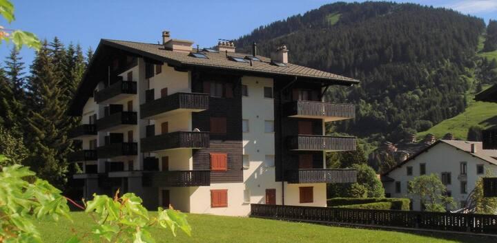 Très beau 2.5 pc Cosy en résidence / 2 balcons