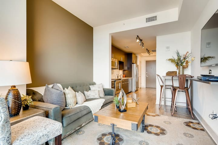 Book Now for your Discounted Austin Stay !