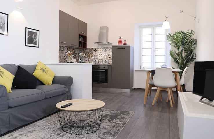 Appartamento Cavour vicino al Duomo per 4 persone