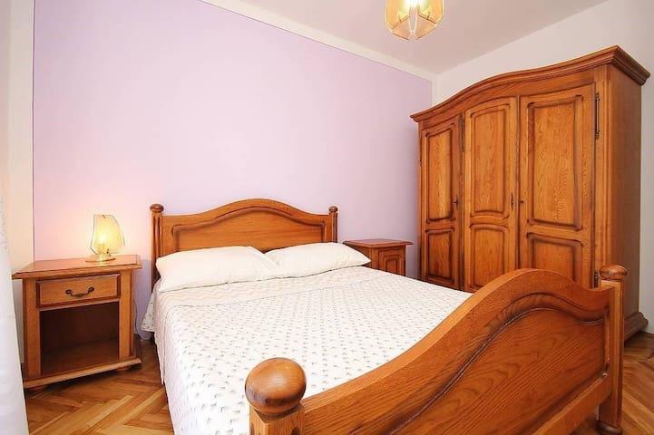Apartment House Sabina (16293-A4)