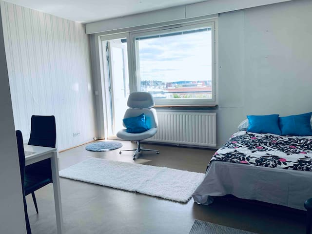 7fl. Studio+balcony near Ratina. Also longer stay!