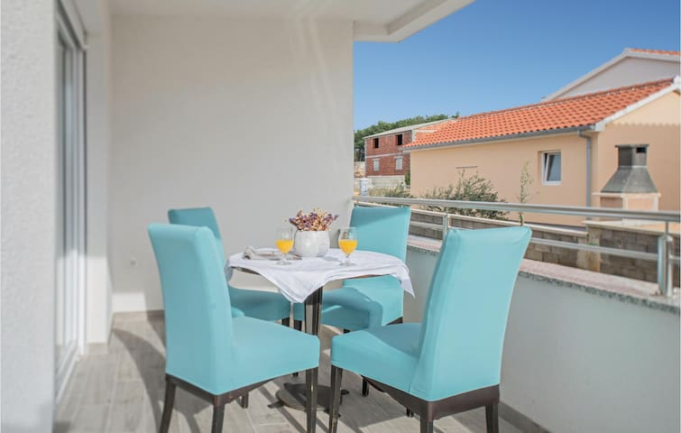Holiday apartment with 2 bedrooms on 64m² in Vrsi-Mulo