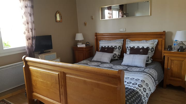 Confortable and quiet bedroom near Reims