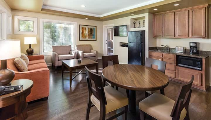1 Bedroom Suite at Scottsdale Golf Resort