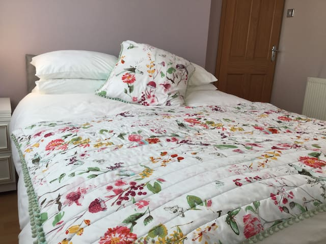 Larnie's Place Goffs Oak Double Room