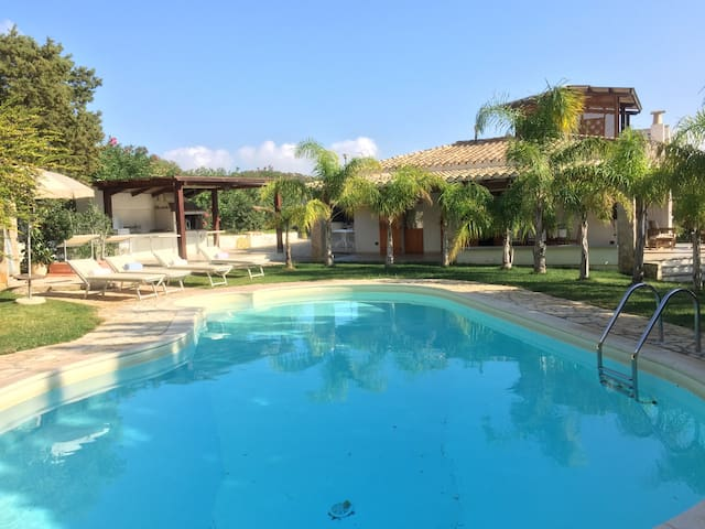 Villa Aurore with pool, 300m from the beach