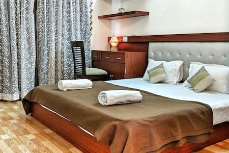 Valuable Stays 1BR SUITE 👉 Baga☆POOL☆PW Backup 👈