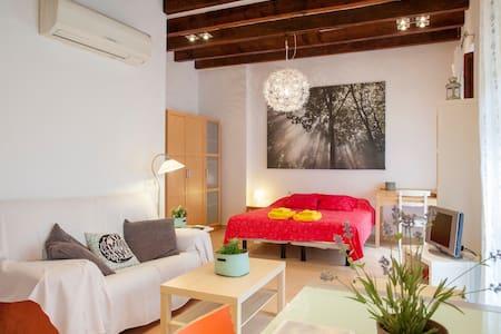 Cozy flat by the Central Market in old Valencia ** - València - Huoneisto