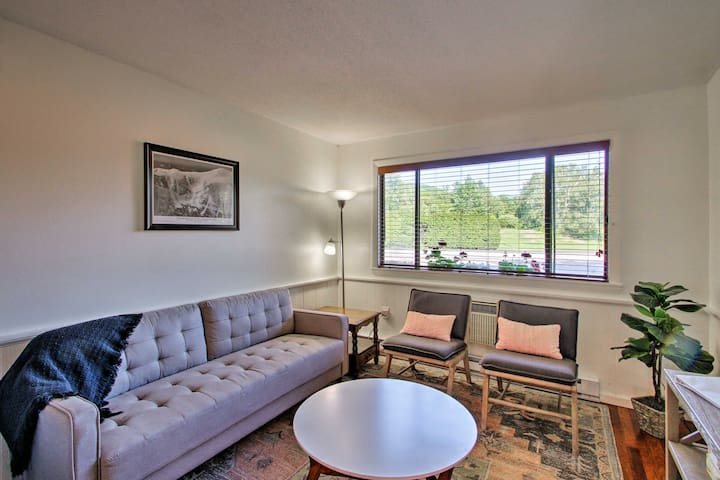 NEW-Condo Across from Story Land, 4Mi to Attitash!