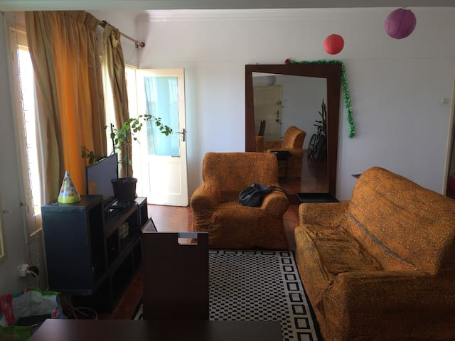 Luminous quite and perfectly located apt in Maputo