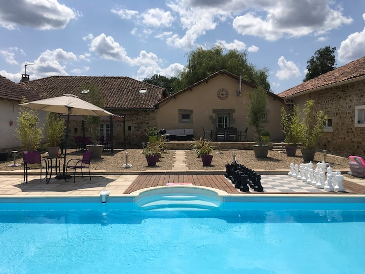 Gite Chez Pouvet, with swimming pool