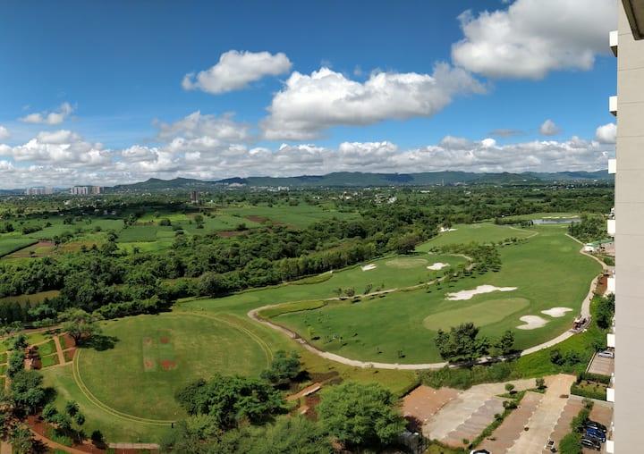 Riverside Golf View Luxurious Abode