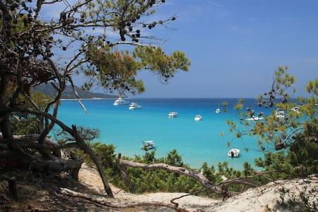 Appart Bleu Azur T2,2 terrasses,vue mer,piscine. - Saint-Florent