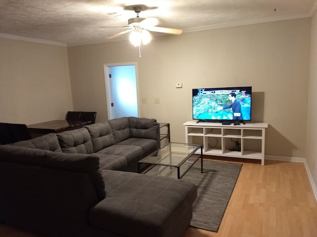 Living Room W/Smart HDTV