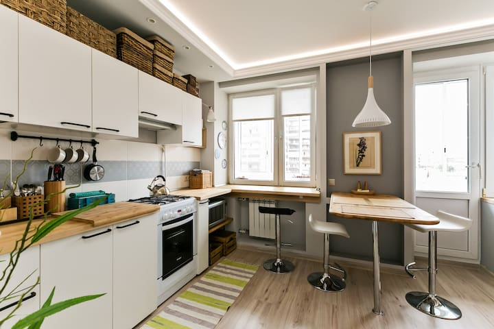 Bright studio apartment at the center of Moscow
