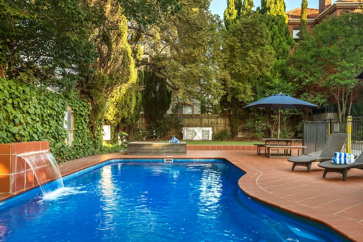 Perfectly Located St Kilda One Bedroom Apartment