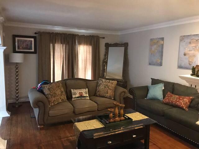 Calm Tranquil Home near Six Flags & Suntrust Park