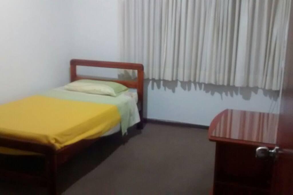 Habitacion con cama individual (2)
