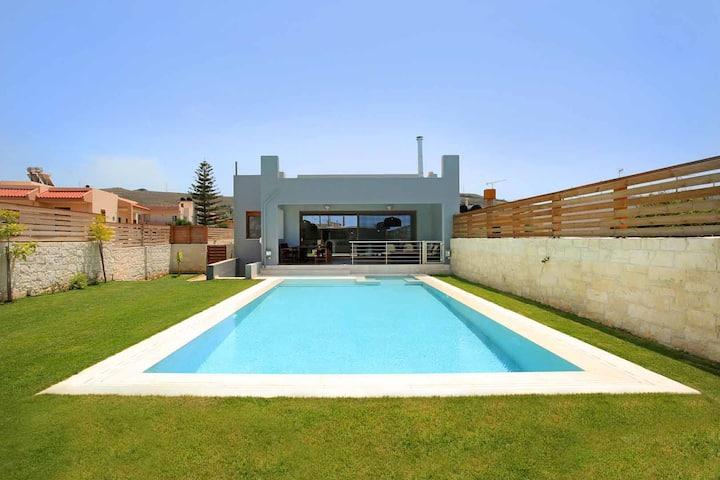 Villa Elpida, modern villa with private pool