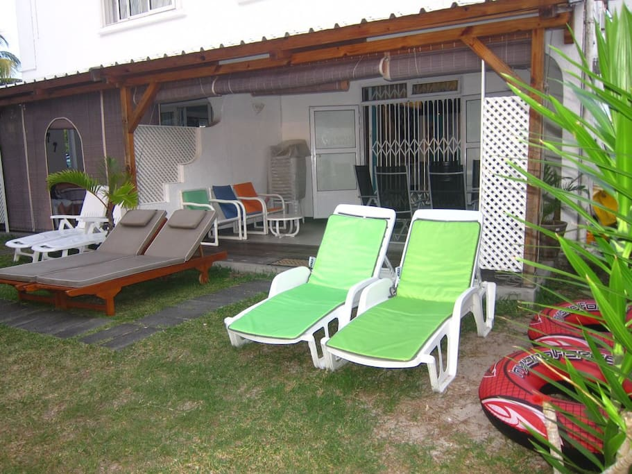Sun-loungers in front of terrace