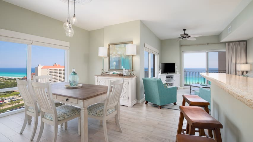 25% OFF for 2019! Remodeled Corner Unit -  Beach Luxury