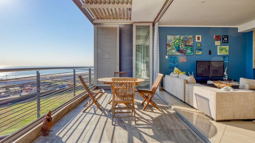 Luxury for Less! - Luxury Waterfront Apartment
