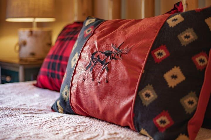 Upper MB suite (#1) enjoy Select Comfort king mattress