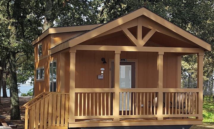 Beautiful New Cabin at Sunset Resort