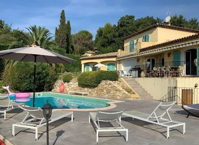 Villa azuréenne : calme & sérénité avec piscine