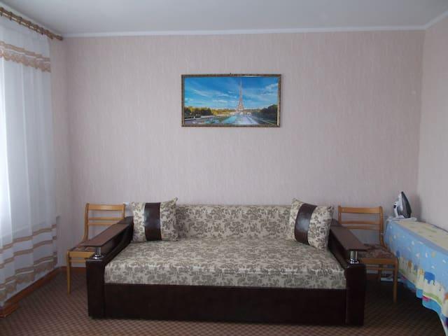 СВОЯ 2-к. квартира рядом с морем в Черноморске