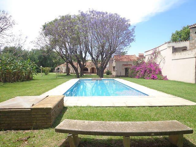 Inmejorable casa quinta en Funes