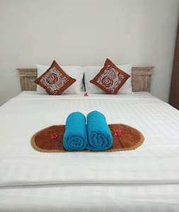 Clean private room in Canggu, 650m  from the BEACH