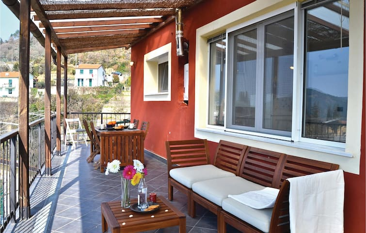 Holiday apartment with 1 bedroom on 60 m² in Castiglion Chiavarese