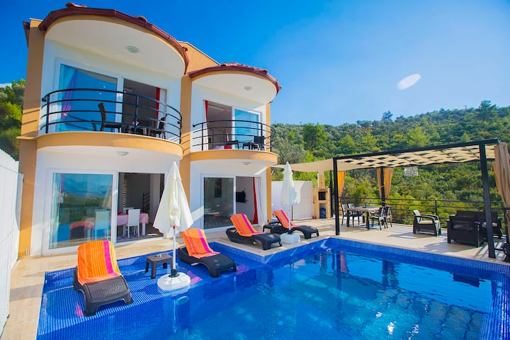 in Kalkan with Jacuzzi- 2Bedrooms/Sleeps4