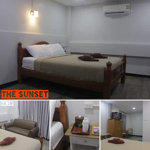 THE SUNSET available 2person